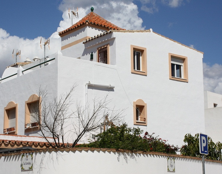 4 bed townhouse for sale estepona