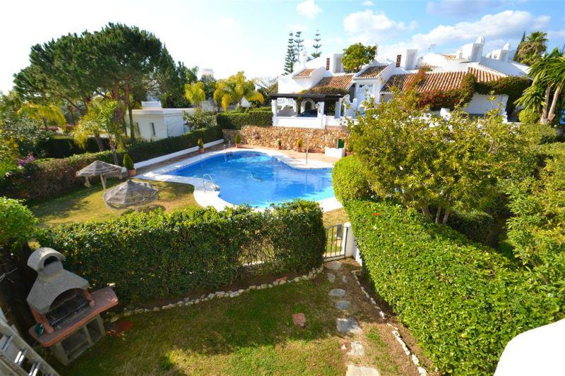 4 bed townhouse for sale bahia de marbella