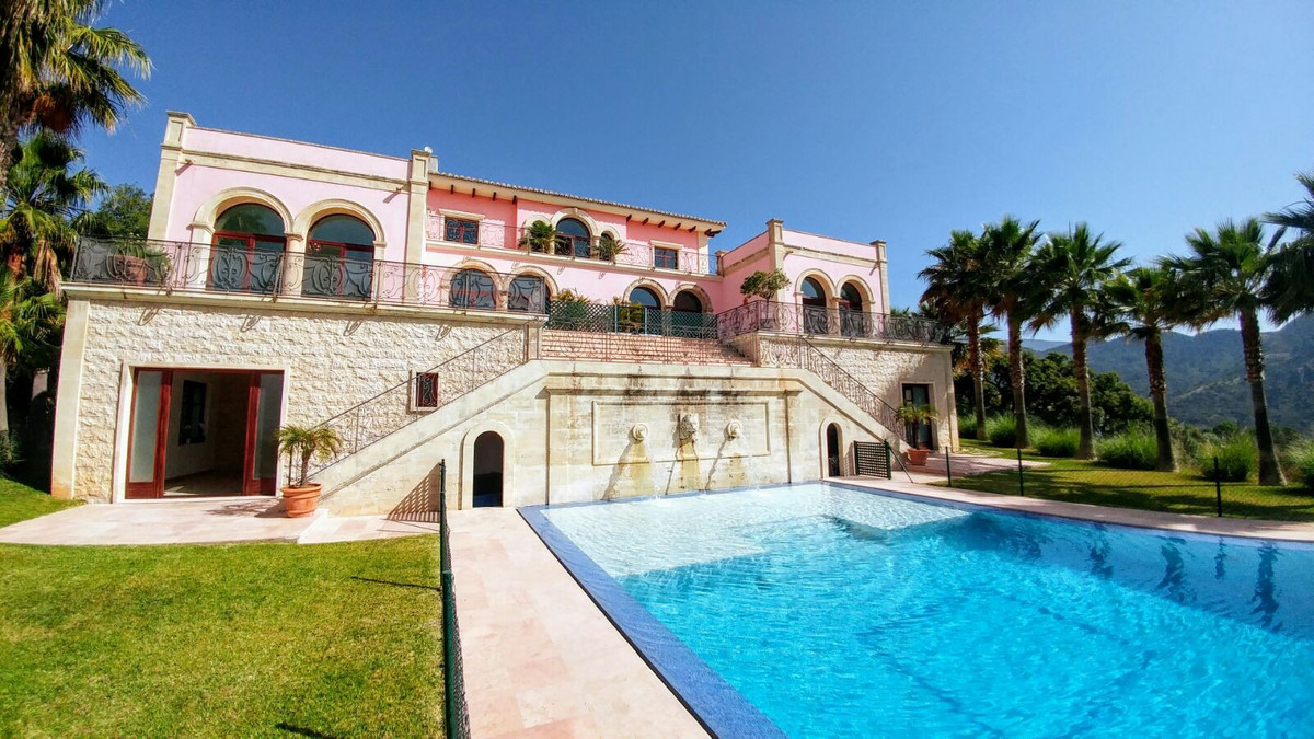 6 bedroom villa for sale benahavis