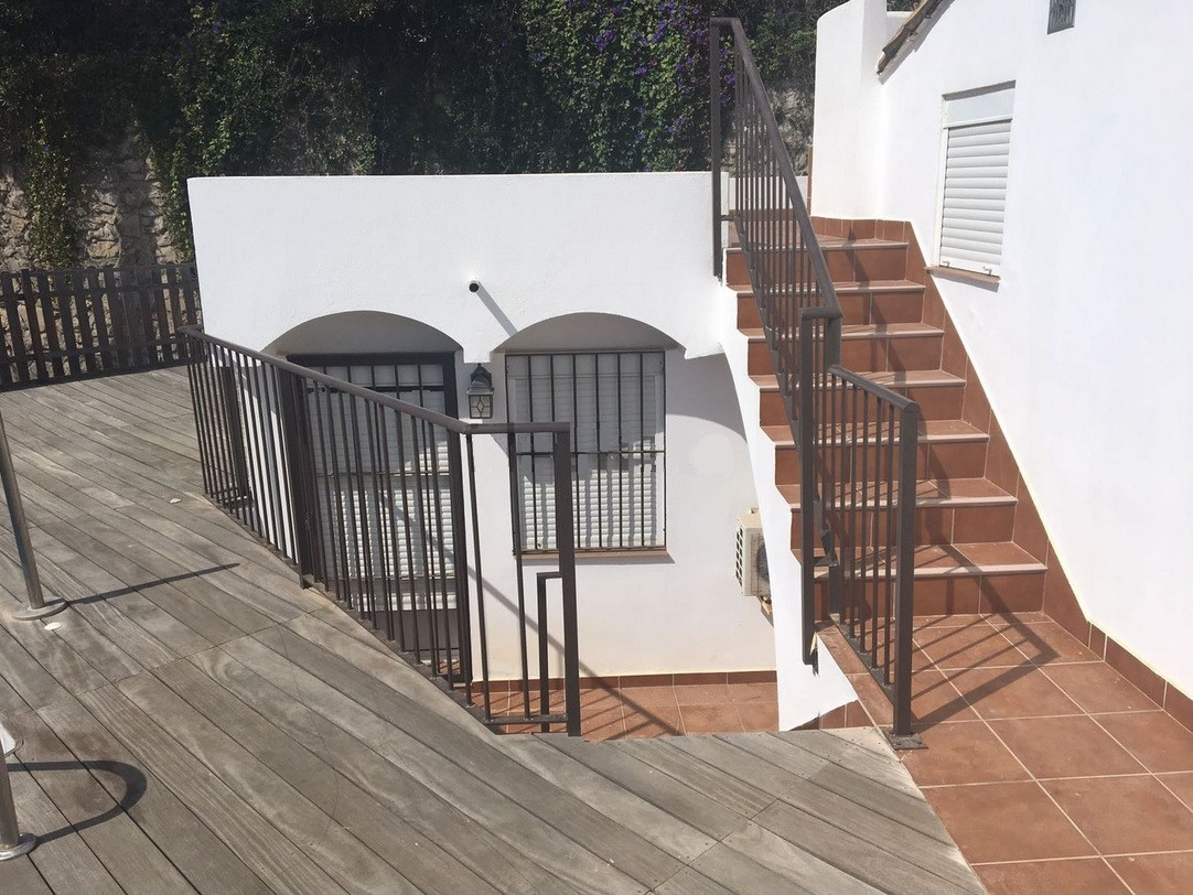 Villa te koop in Estepona R2824328