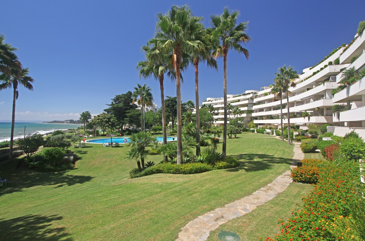 4 bed apartment for sale estepona