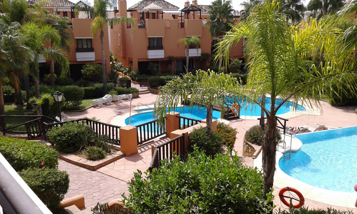 2 bedroom townhouse for sale bahia de marbella