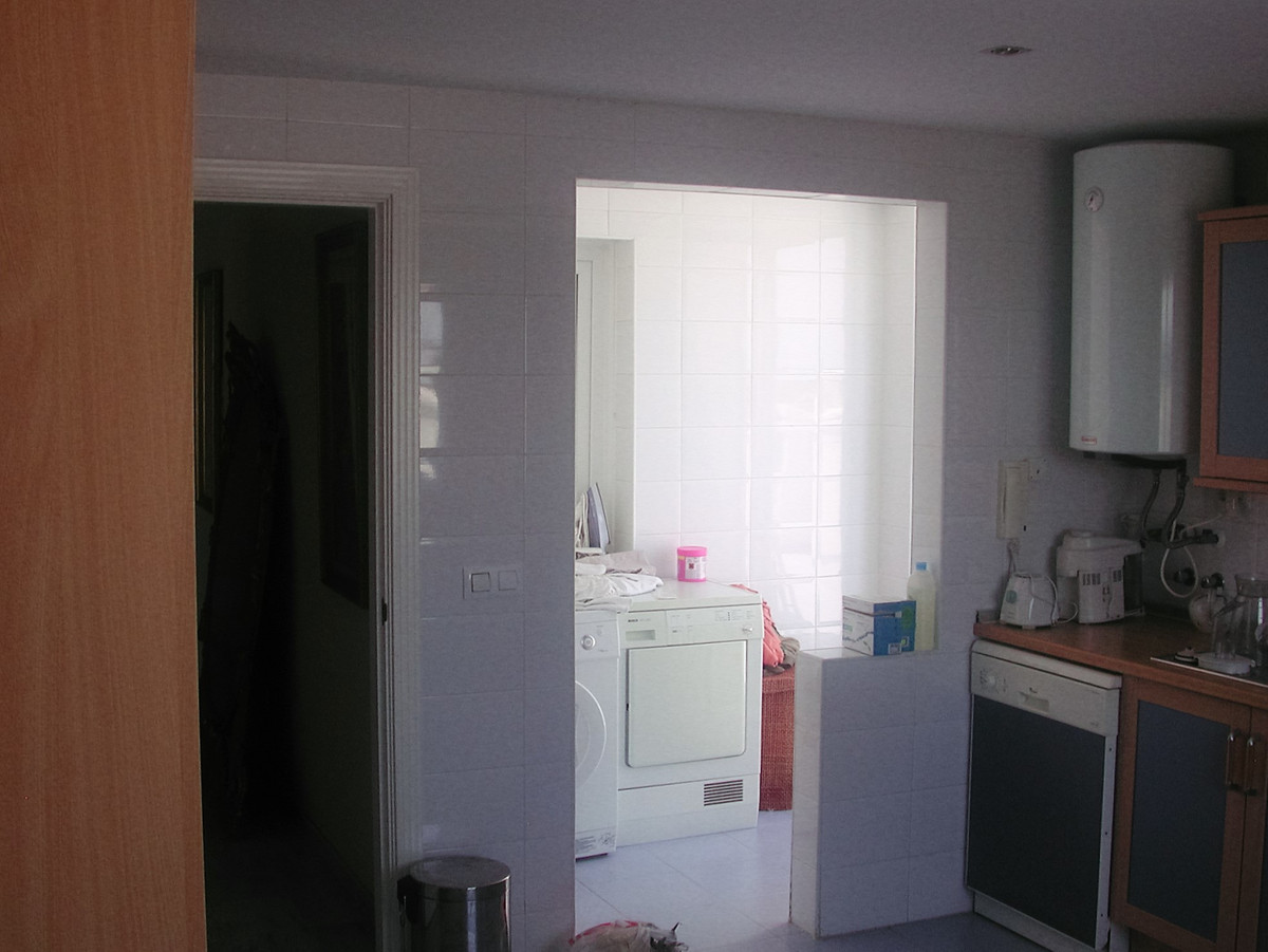 Apartment in Nueva Andalucía R82811 6 Thumbnail