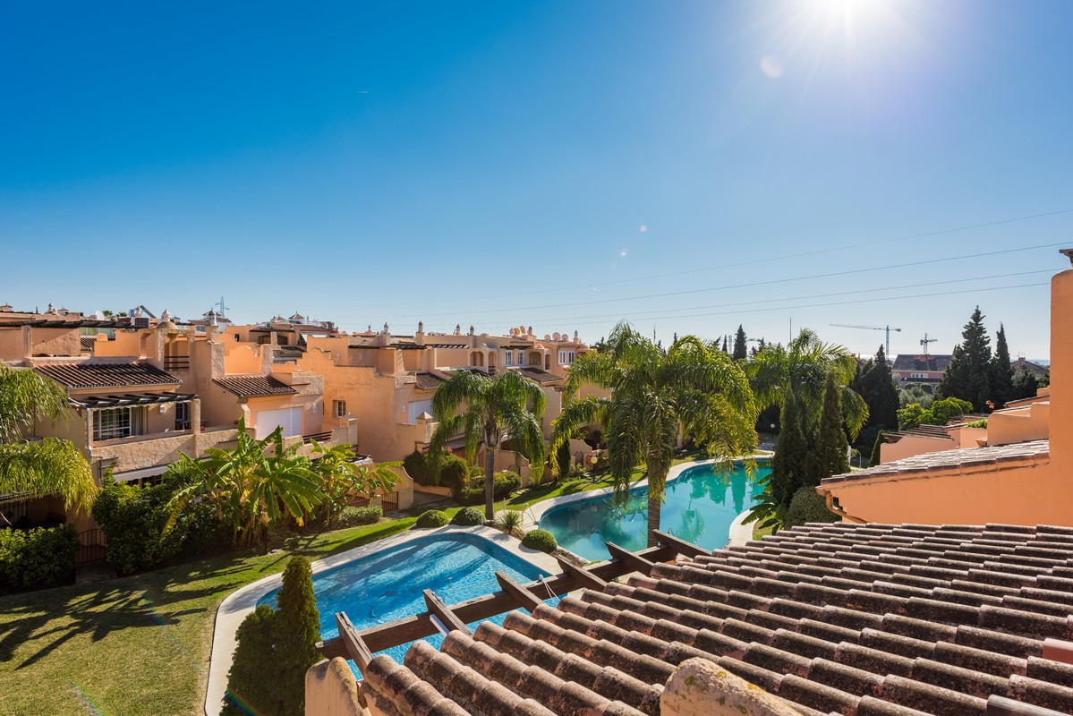 3 bed townhouse for sale marbella