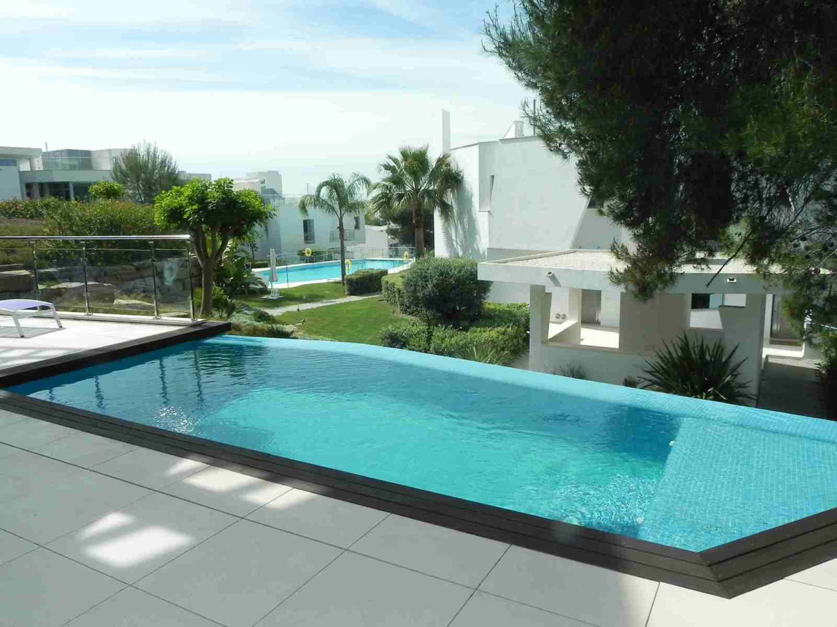 5 Bed Villa For Sale in Sierra Blanca