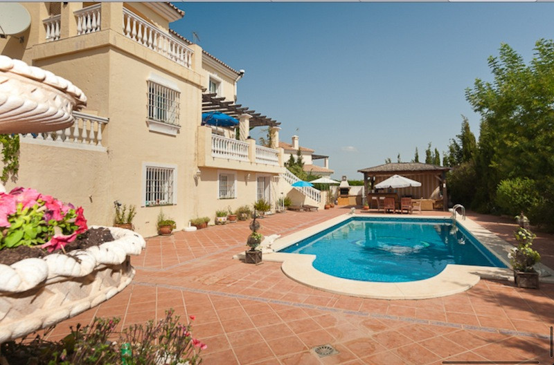 Villa te koop in Coín R2268020