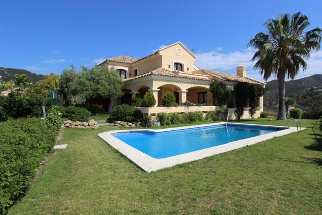 5 Bedroom Villa For Sale - La-Quinta