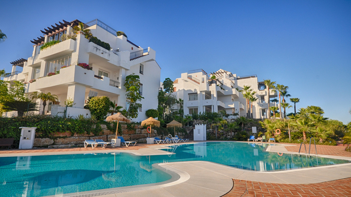 2 Bedroom Apartment For Sale - Benahavis