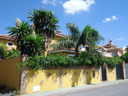 5 bed townhouse for sale marbella