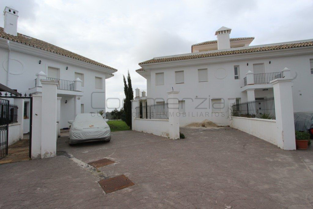 6 bedroom villa for sale la mairena
