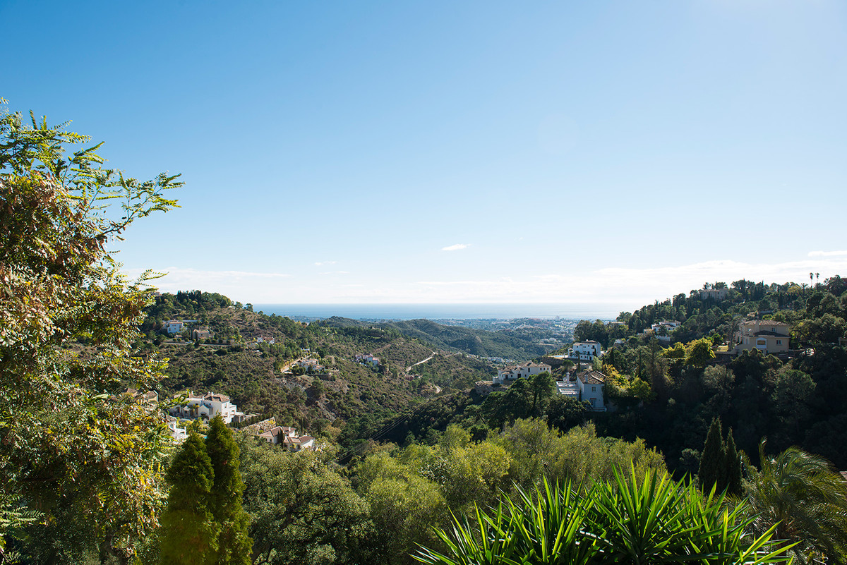 Plot For Sale in El Madroñal - El Madroñal, Benahavis