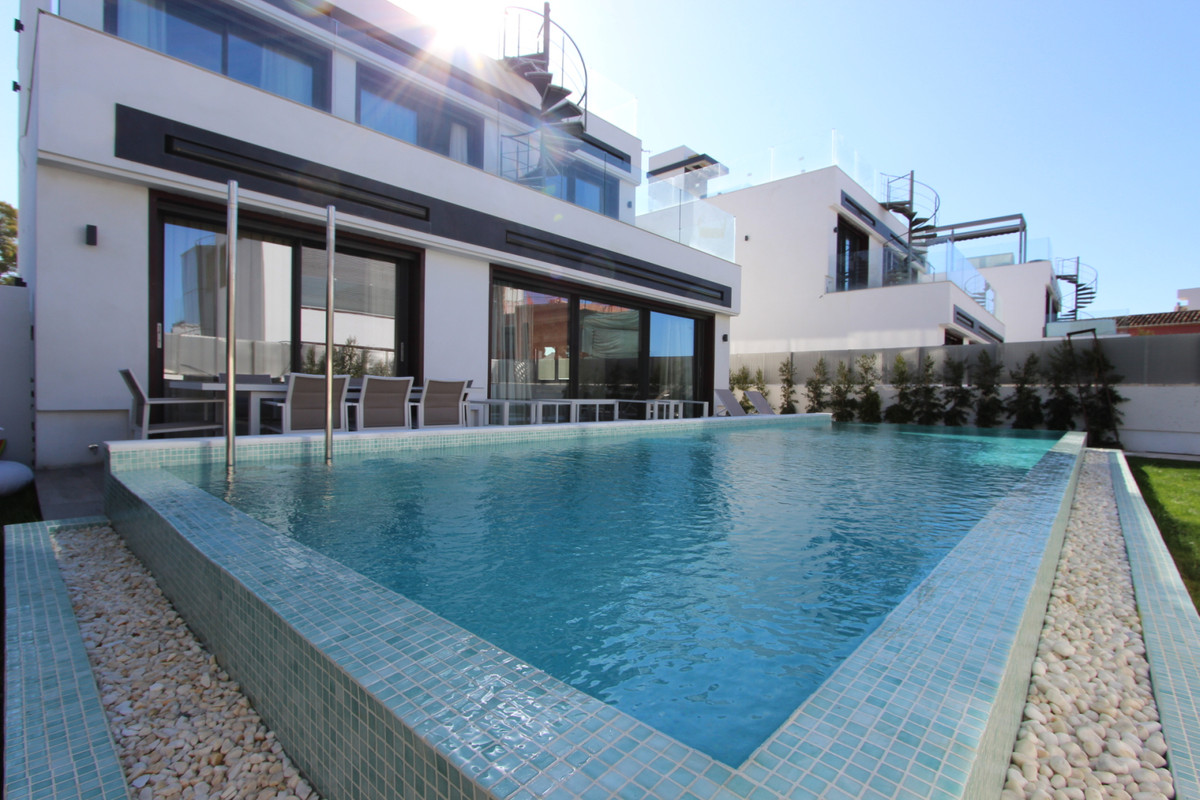 Freistehende Villa zu verkaufen in Puerto Banús