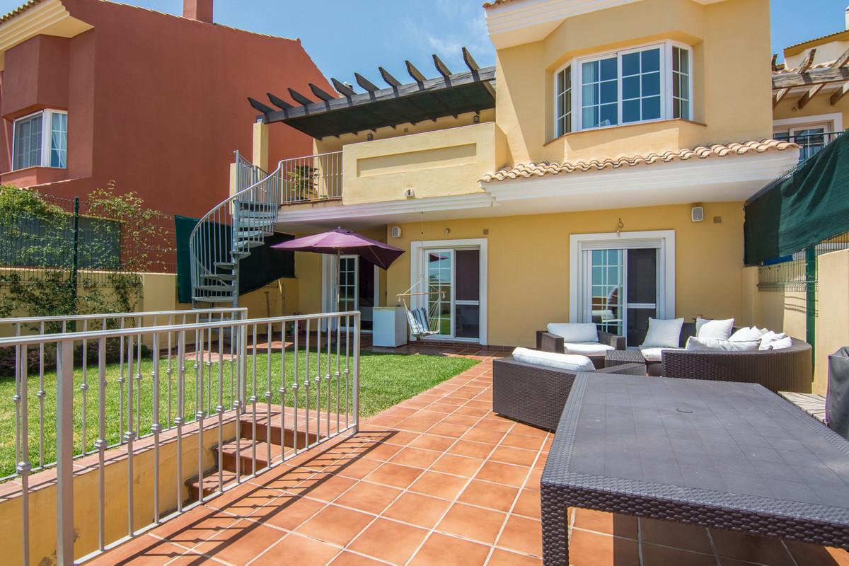Villa te koop in La Mairena R2914133