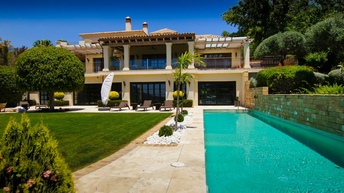 8 Bedrooms Villa For Sale - La Zagaleta