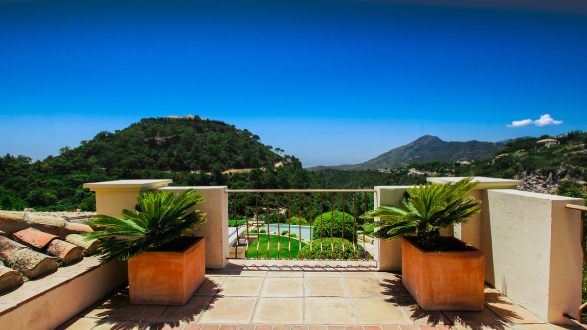 8 Bedroom Villa For Sale - La Zagaleta, Benahavis