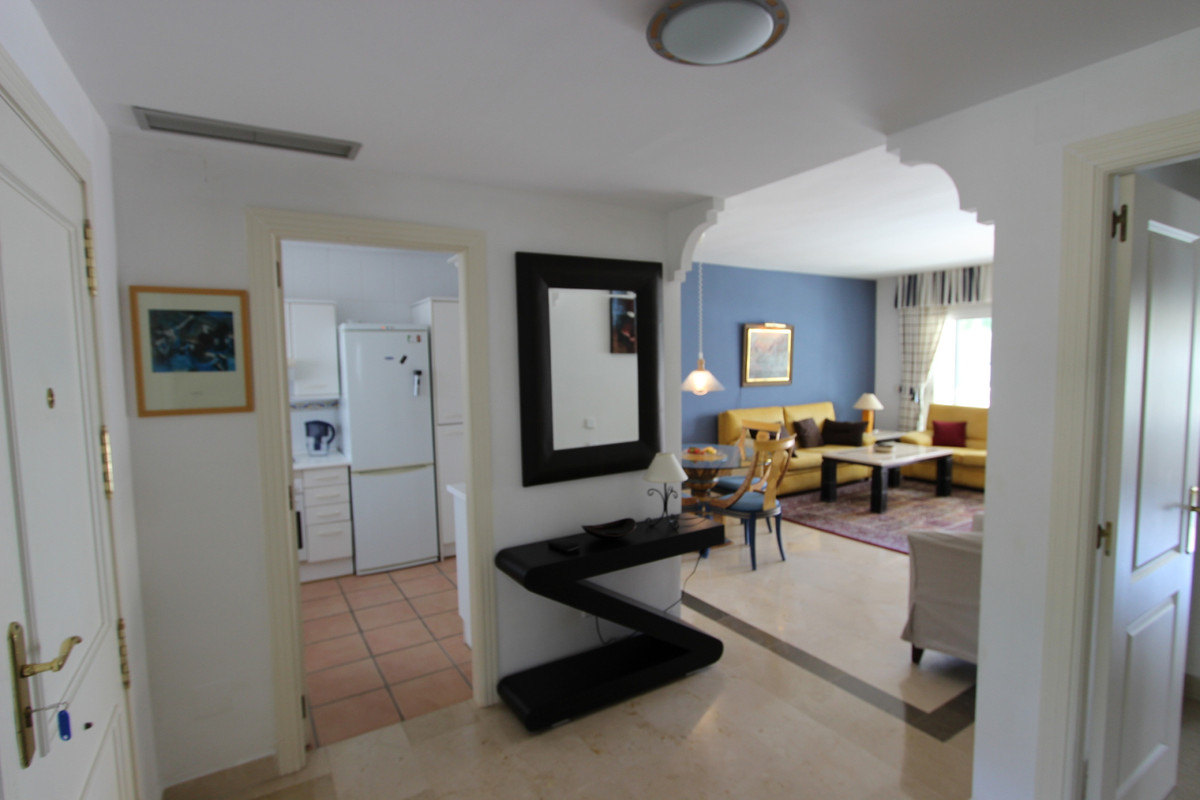 2 Bedroom Middle Floor Apartment For Sale El Presidente