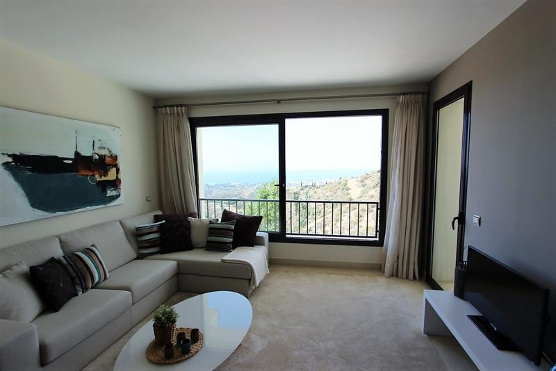 Apartamento Planta Media en venta en Altos de los Monteros – R2744099