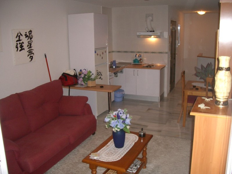 Middle Floor Apartment in Estepona for sale