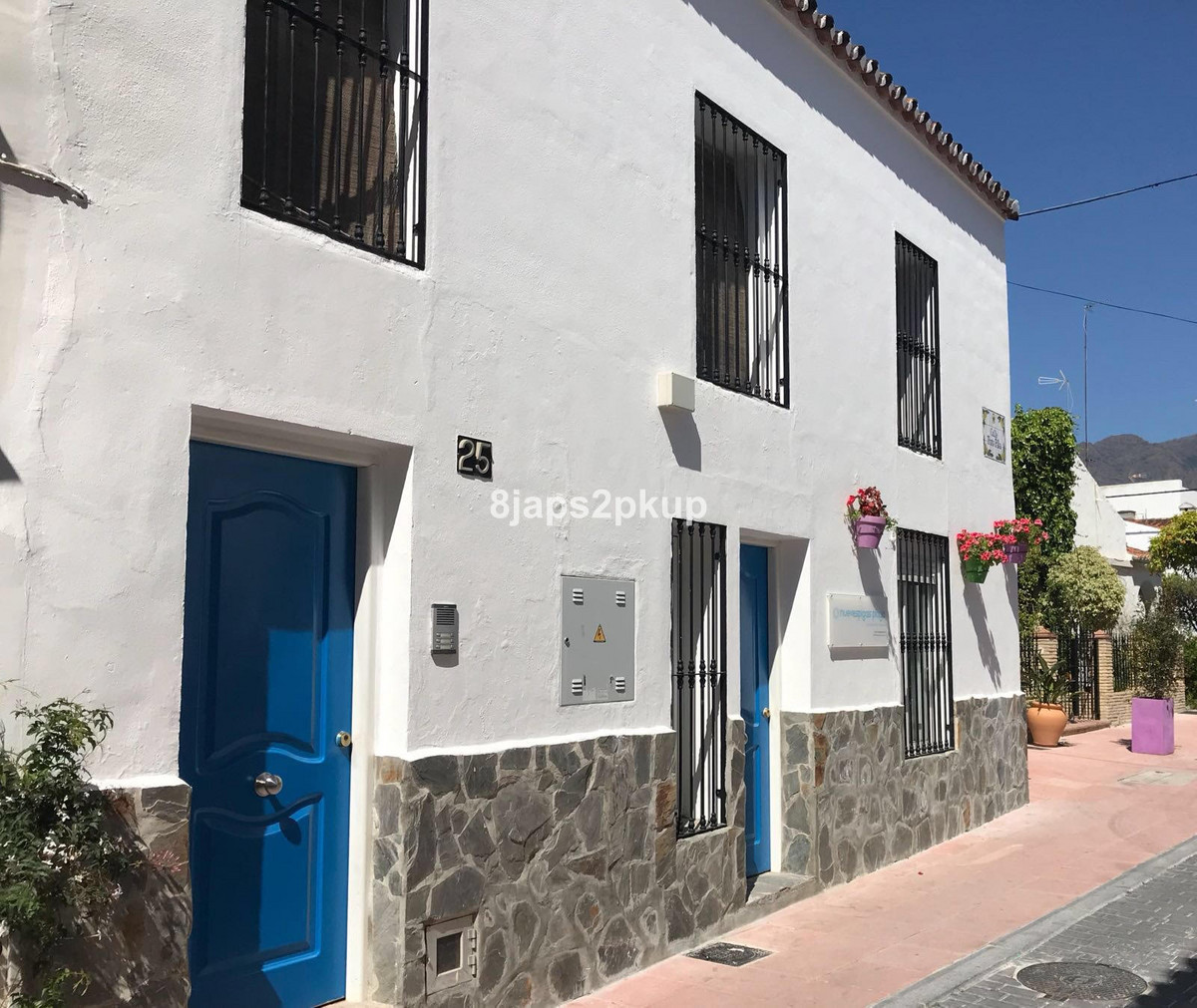8 bedroom townhouse for sale estepona