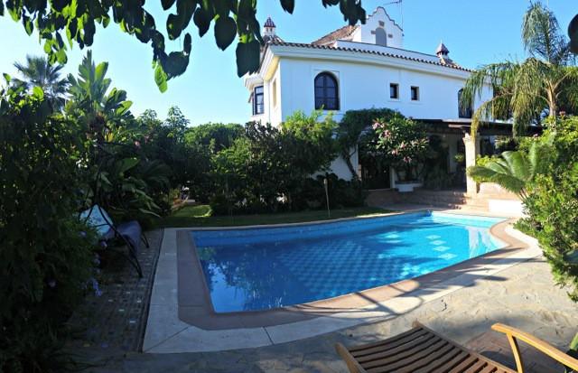 4 bed villa for sale elviria
