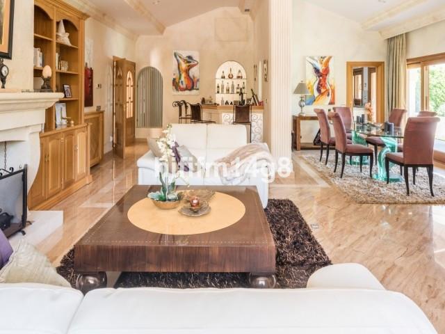 4 Bedroom Villa for sale Nueva Andalucía