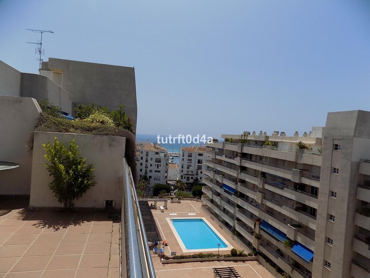 Apartamento con 2 dormitorios - Puerto Banús