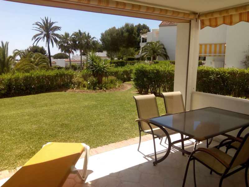 2 bed apartment for sale miraflores