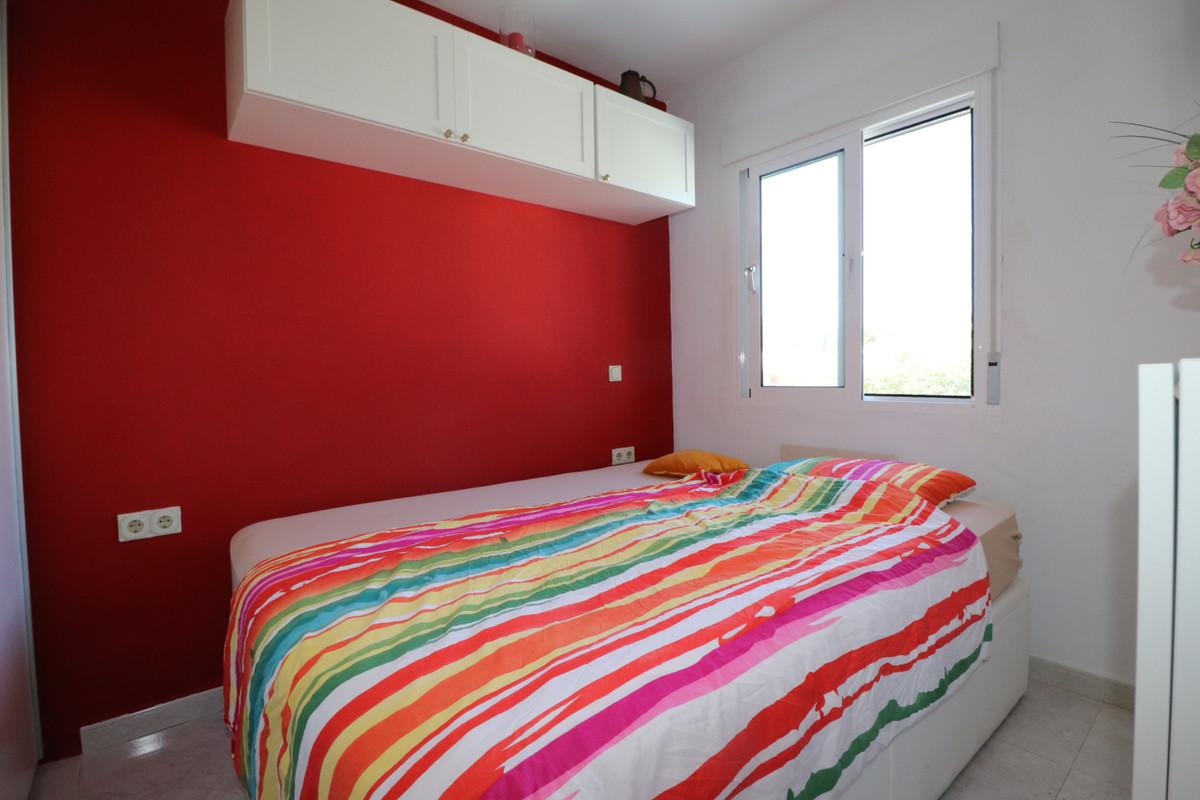 Villa te koop in El Faro R1923074