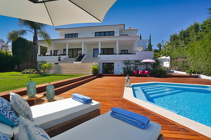 6 Bedroom Villa For Sale - Nueva-Andalucia