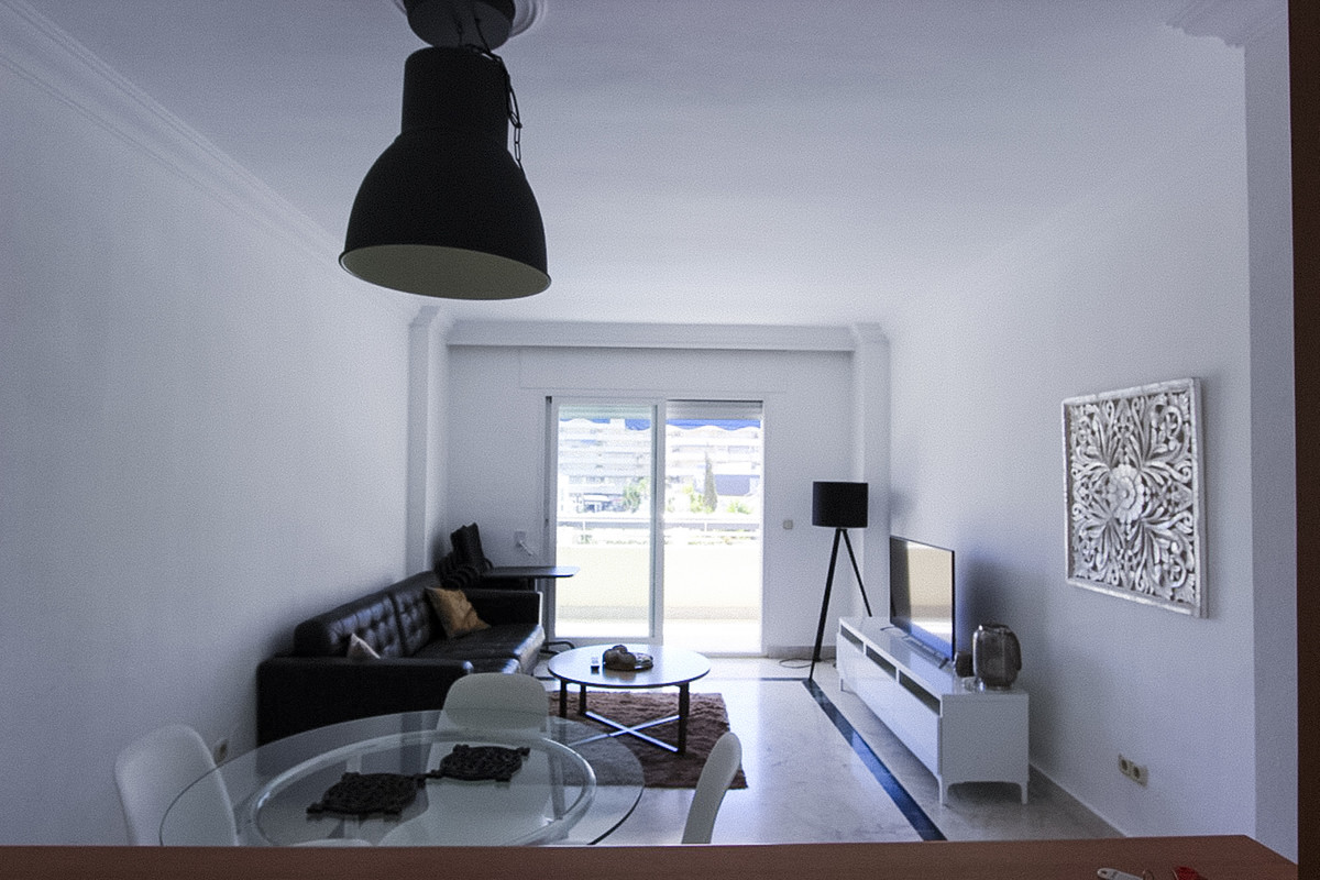 1 Bedroom Middle Floor Apartment For Sale Puerto Banús