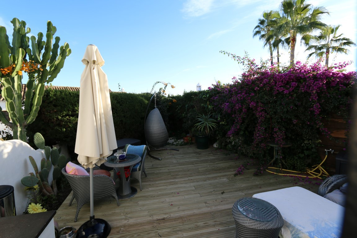 2 bed townhouse for sale nueva andalucia