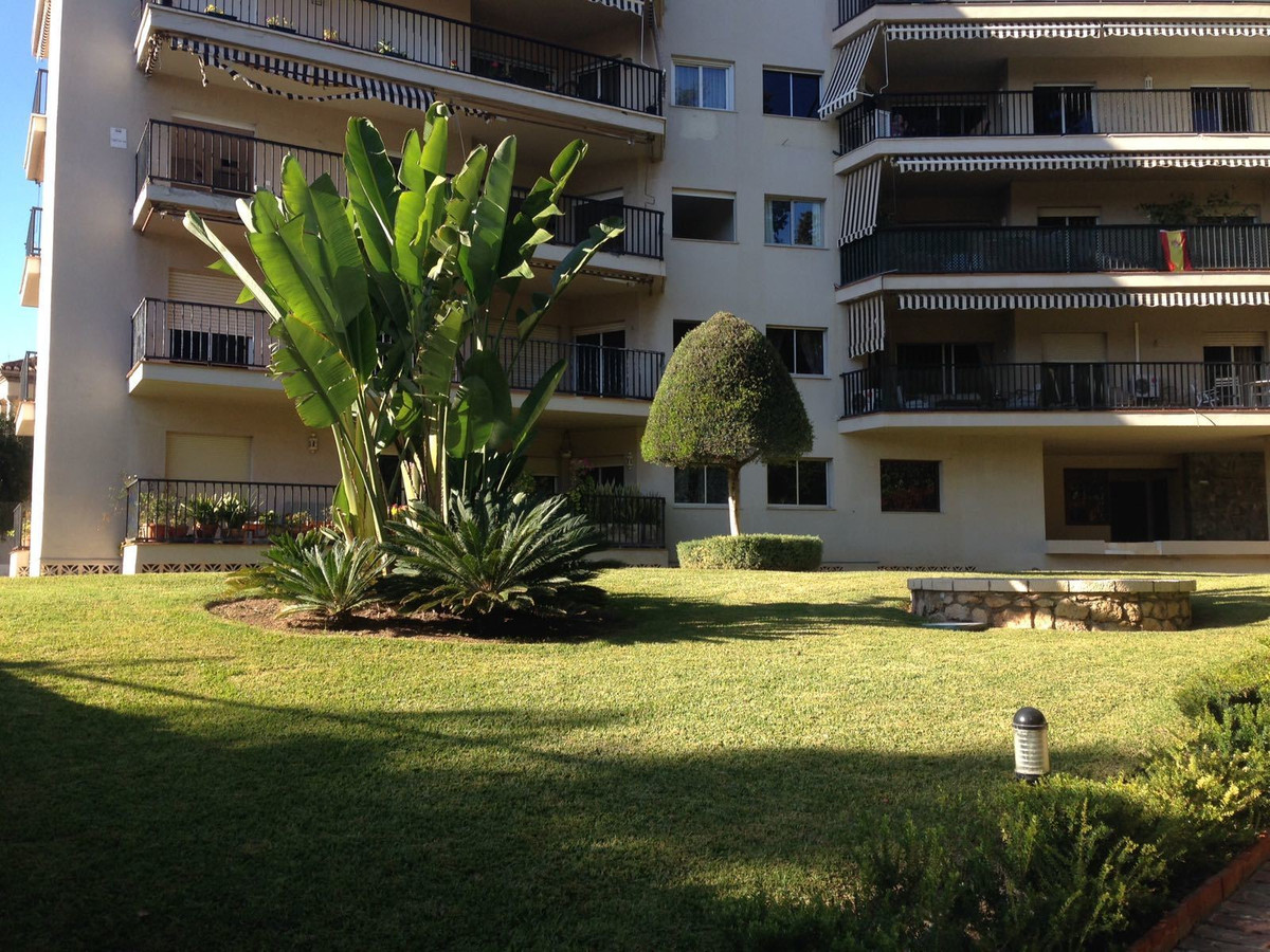 4 bedroom apartment for sale malaga