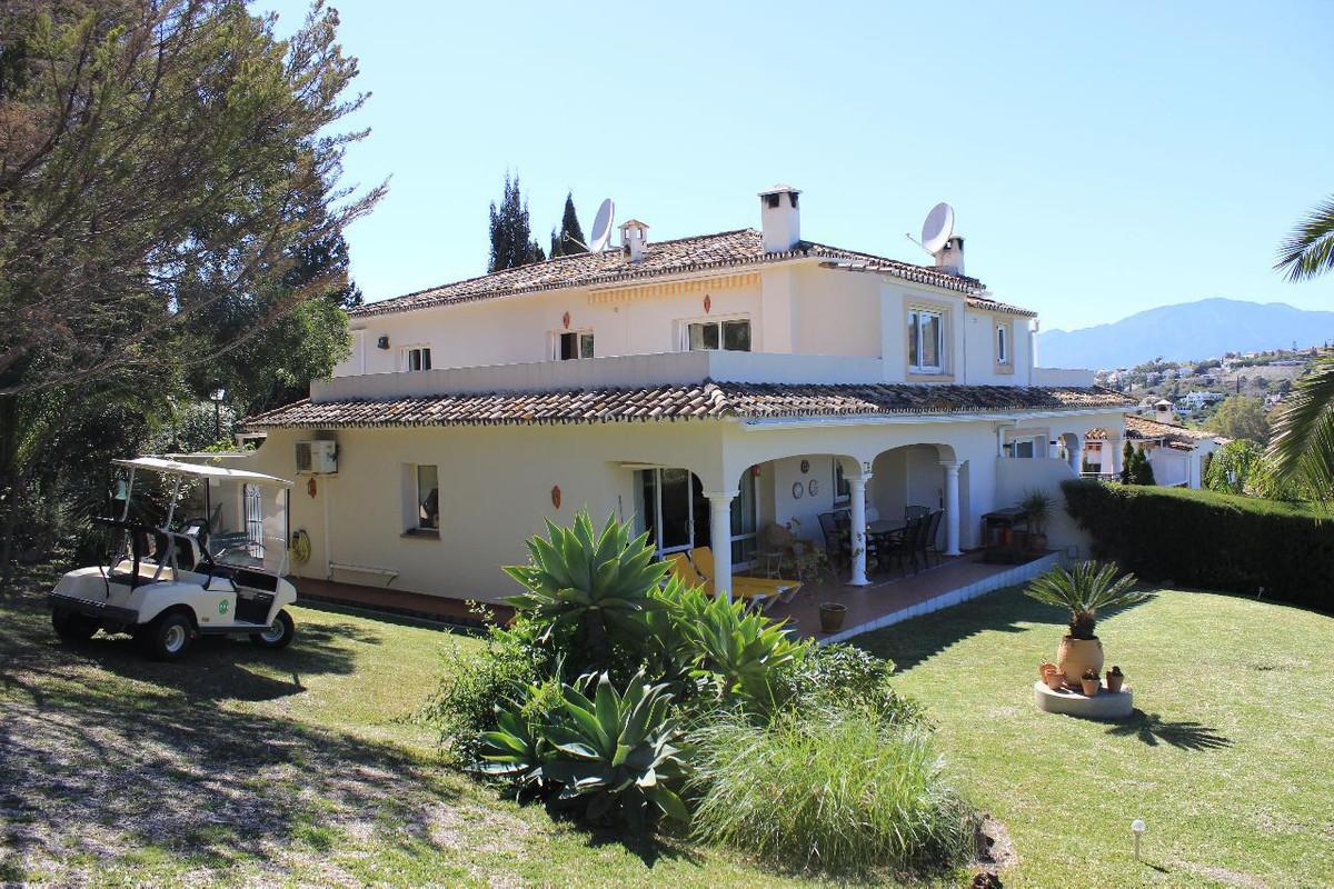 4 bed villa for sale el paraiso