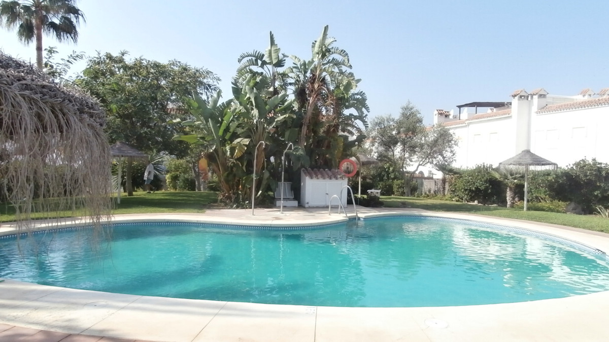 4 bed townhouse for sale casares playa