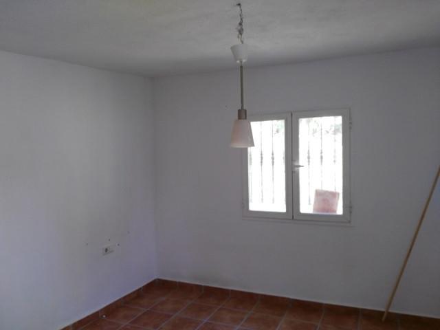 Rijhuis te koop in Estepona R2916131