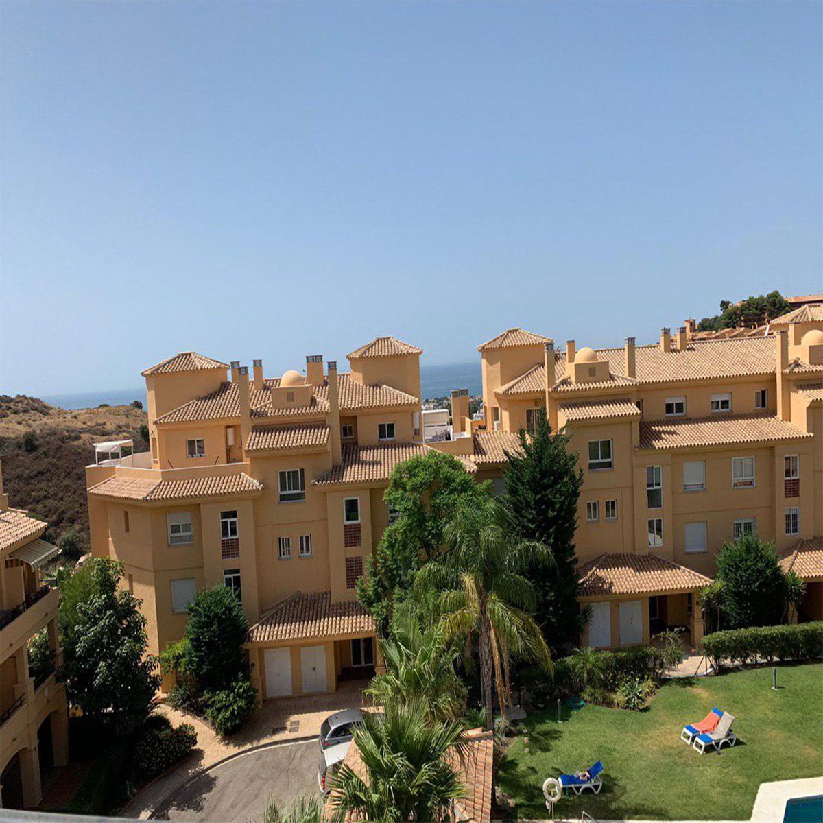 This beautiful penthouse is located in a residential complex with 4 swimming pools. Completely renov Spain