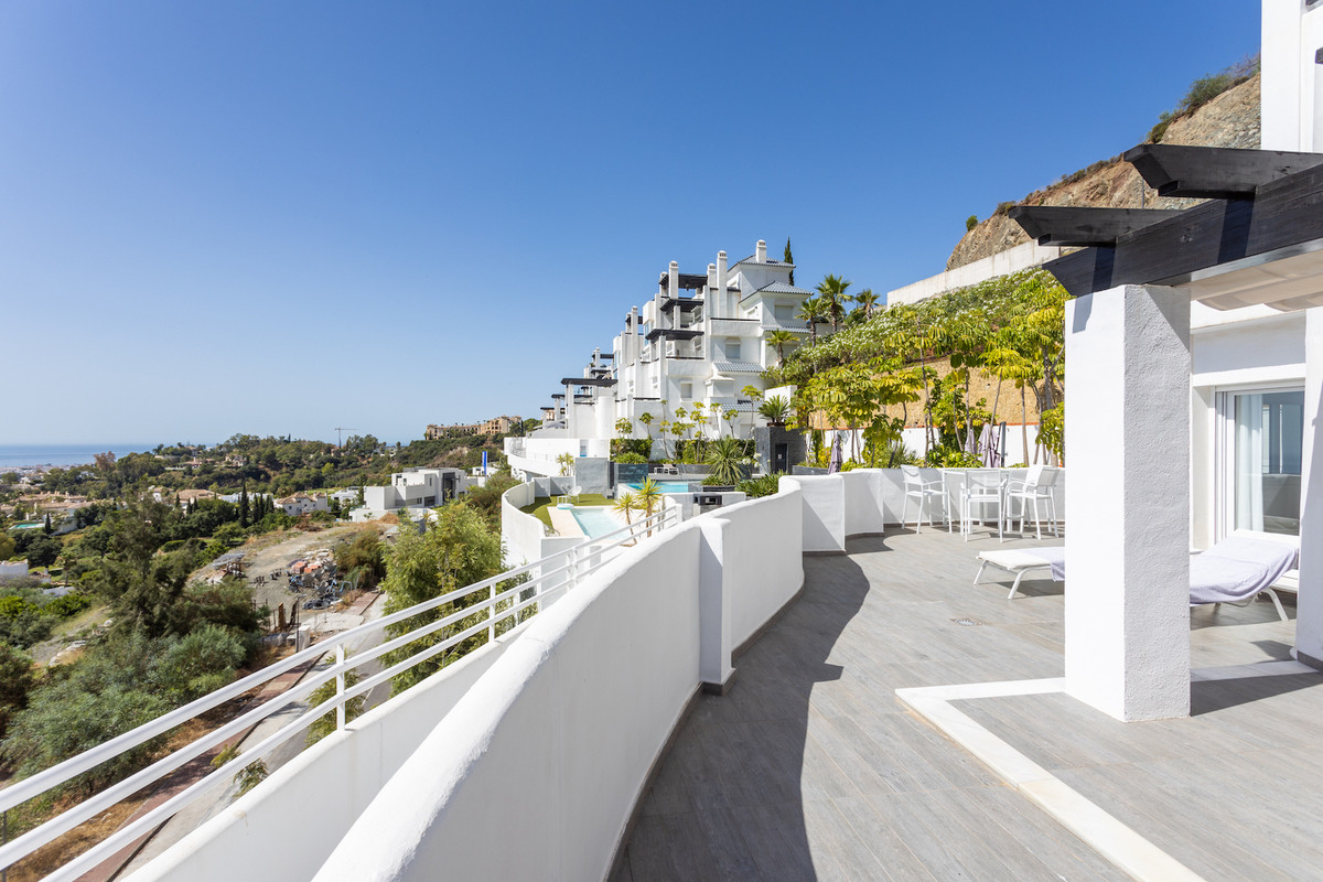 Valley Heights, Benahavis Bright and modern 2 bedroom ground floor apartment with beautiful views of,Spain
