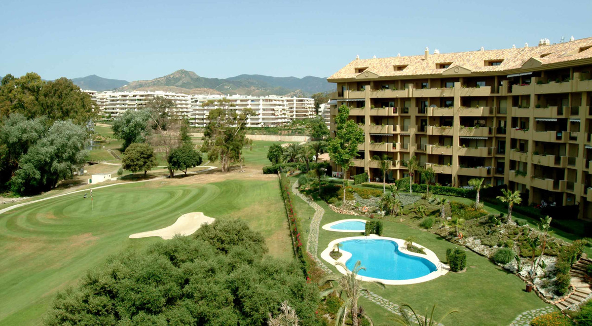 Beautiful apartment with large terrace at Guadalcantara Golf Estate.  The property comprises an entr,Spain