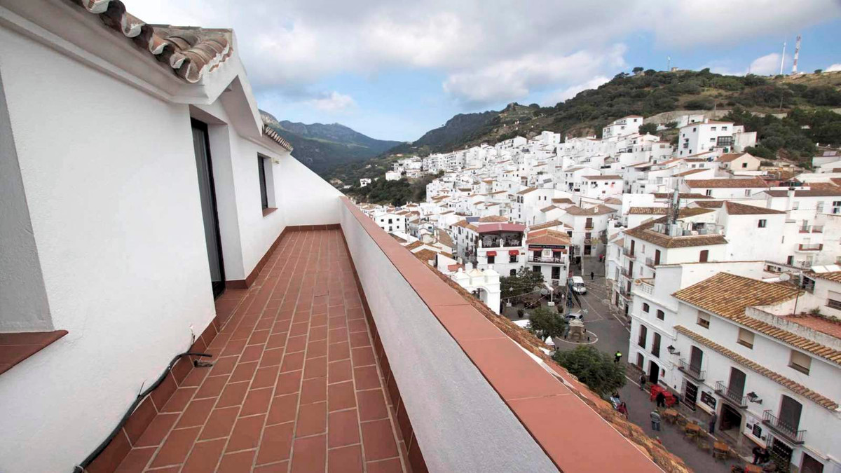 R2569403: Apartment for sale in Casares Pueblo