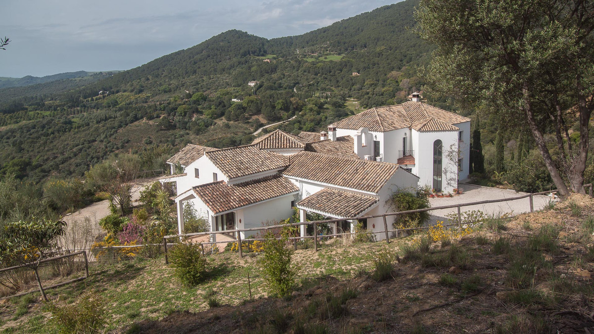 Majestic contry Property found in the mountain area of Gaucin with breathtaking views of the mountai, Spain
