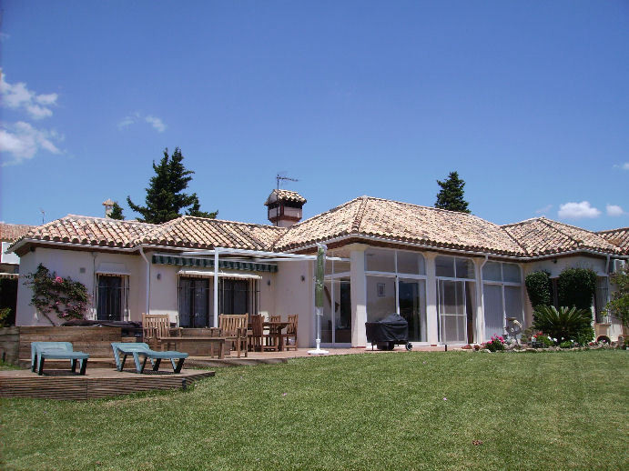Stunning Villa for sale between Estepona and Sabinillas, 1,580 m2 the plot and 148 m2 built. One flo,Spain