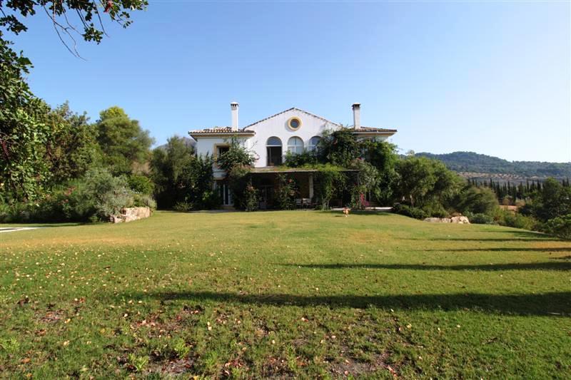 Villa con 9 Dormitorios en Venta Gaucín
