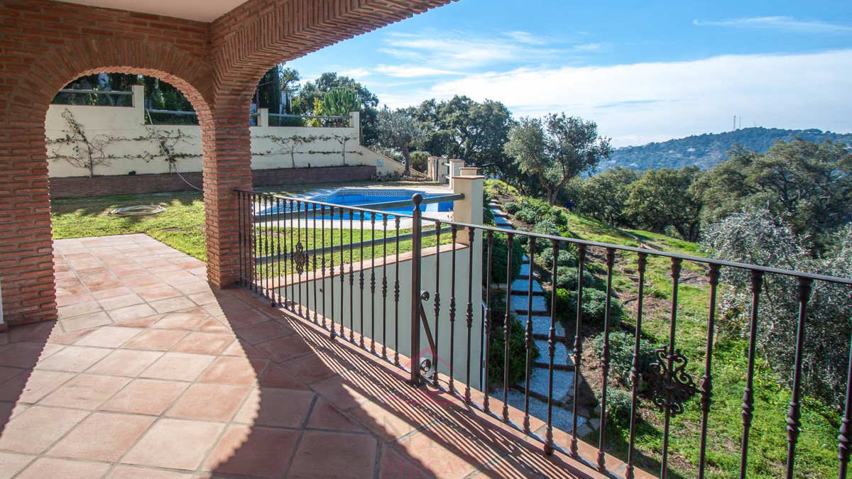 Brand new rural property with fabulous views of the mountains and the sea, located between the mount, Spain