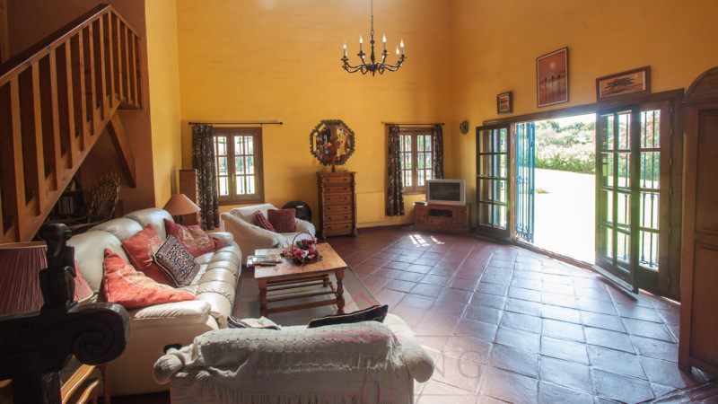 Villa Finca for sale in Estepona, Costa del Sol