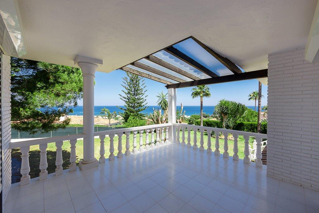 This villa that boasts breathtaking sea and coastal views. The plot is very large 2.454 m2 and very , Spain