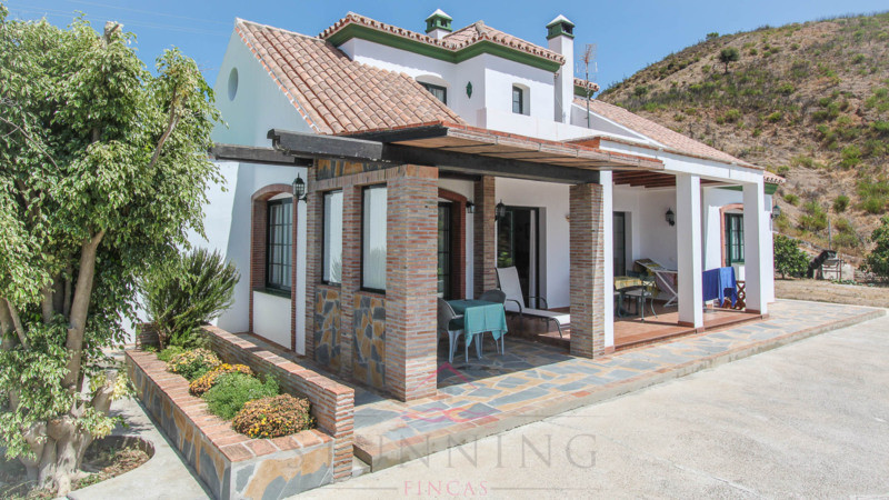 Rural property located in the westernmost part of the province of Malaga, the town of Estepona minut, Spain