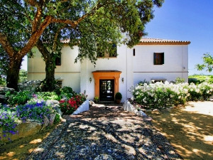 Wonderful country house situated in the village of Gaucin with 930 m2 and 270,000 m2 of plot.  The p, Spain
