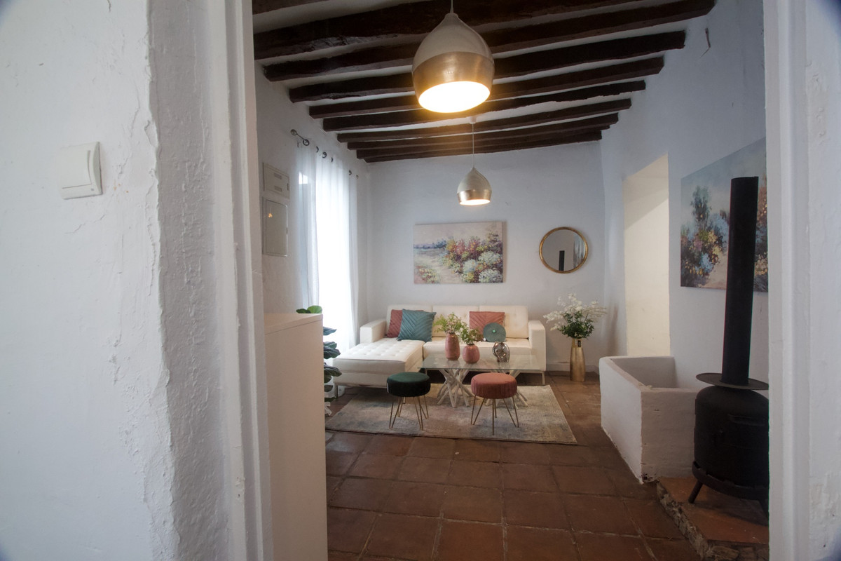 Majestic village house in one of the most beautiful streets of Casares at about 200m distance from t, Spain