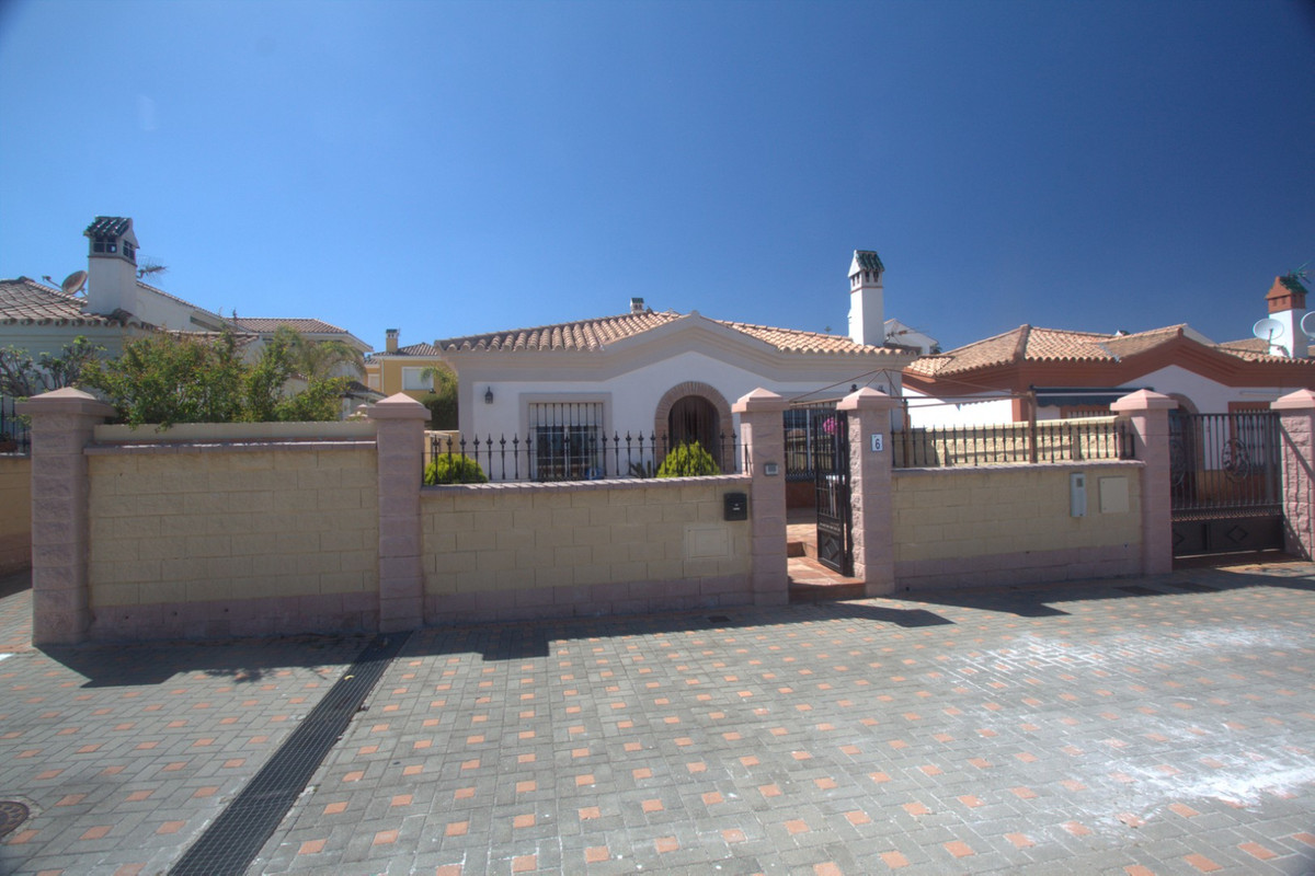 Ref:CR3417907 Villa For Sale in La Duquesa