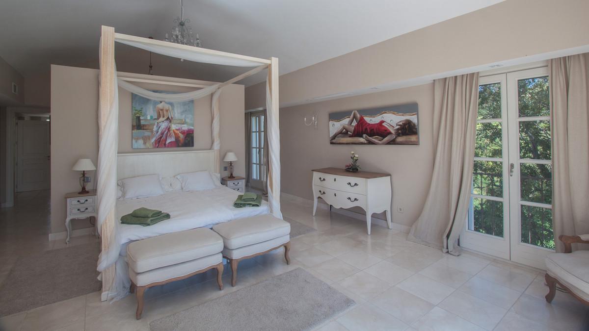 Villa con 7 Dormitorios en Venta Gaucín